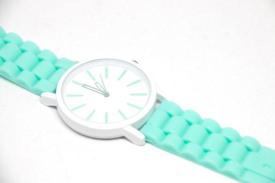 Reloj sport turquesa con correa de silicona