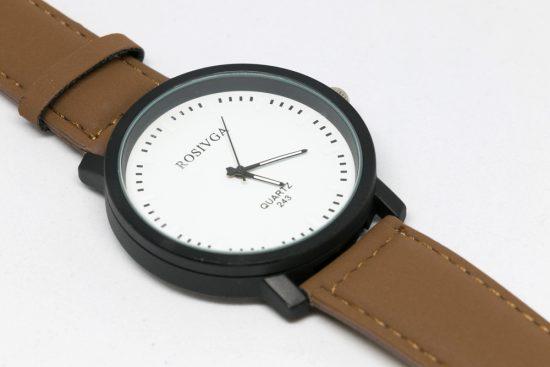 Reloj unisex esfera blanca correa marrón