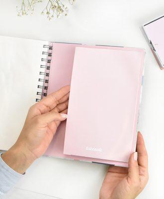 portadocumentos agenda 2020 geometrica azul blanco rosa