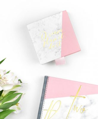 libreta post it marmol blanco y rosa